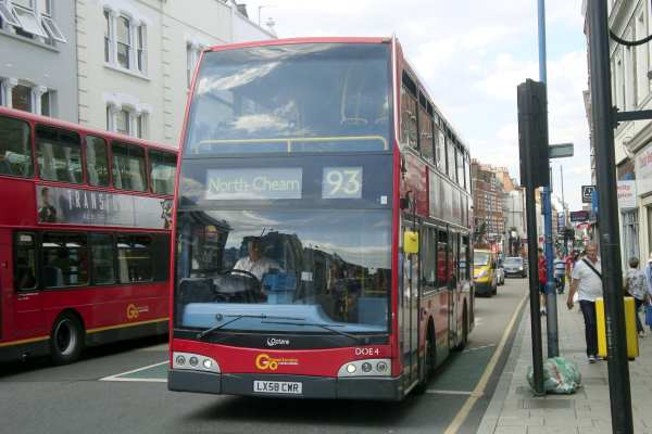 Putney High Street is notoriously affected by air pollution from the many bus routes that serve it. Au Morandarte CC BY-SA 2.0