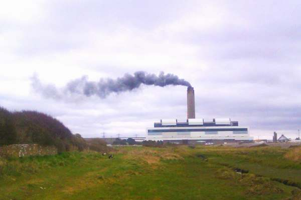 Aberthaw has emitted around 80,000 tonnes of excess nitrogen oxides. Photograph: Guy Butler-Madden CC BY-SA 2.0