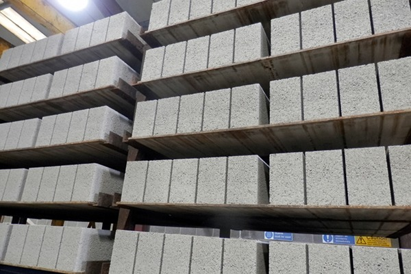 Hazardous waste residues from EfW plants can be turned into aggregate blocks. Thomas Armstrong Group