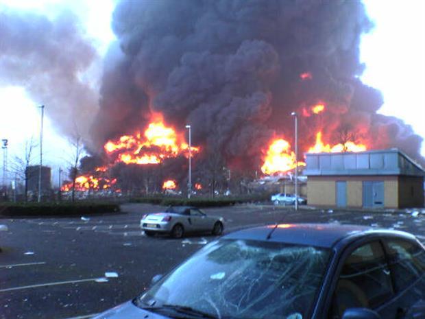 The December 2005 Buncefield fire, CCASA 3.0 Lvivian