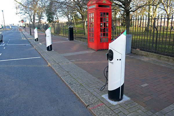 Electric vehicle charging points in Battersea