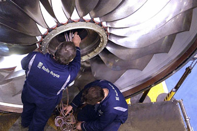 Manufacture of Rolls-Royce jet engine