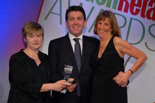 Winners from Scott Stales and sponsor Westland celebrate at 2007's Garden Retail Awards