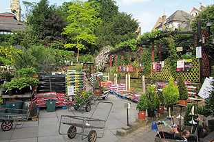 Urban gardens are small but numerous and can lead to a high density of customers - image: HW