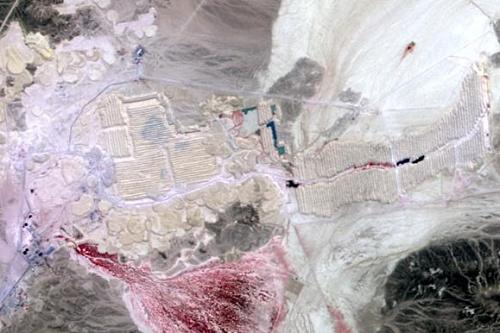 Phosphate mine in Jordan - image: NASA/GSFC/METI/Japan Space Systems