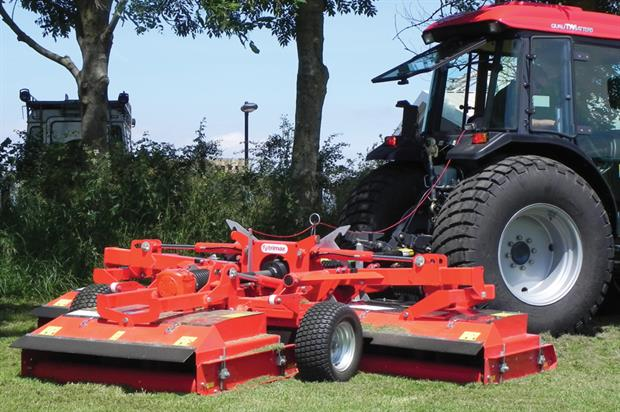 Trimax Snake trailed mower - image: HW