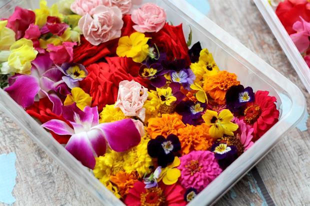 BloomBites: edible flower packs