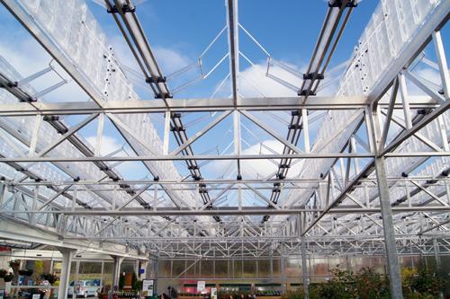 Greenhouse system: full spectrum of ultraviolet light (image: Naturelight)