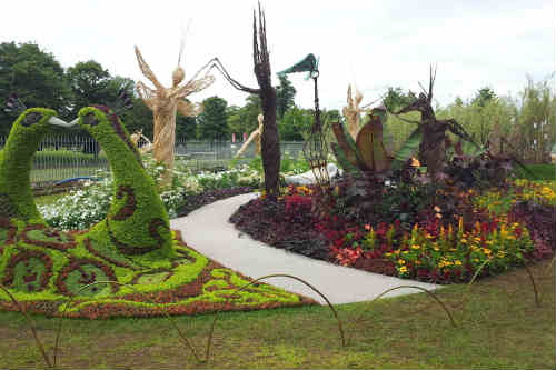 'A Very Victorian Fantasy' garden at Hampton Court Palace Flower Show - image: HW