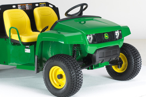 John Deere TE Gator electric sports turf utility vehicle (Image: John Deere)