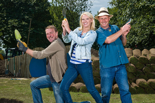 (left to right) Phil Tufnell, Anneka Rice and Joe Swift host BBC makeover show The Flowerpot Gang (image: BBC)
