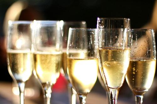 sparkling wine - image:Warrenski