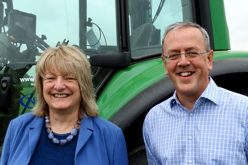 Dr Barsby with Agri Gate Research Hub project leader David Neill - image:NIAB