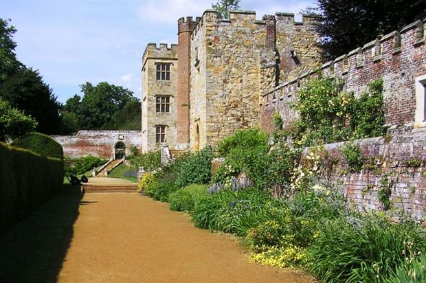 Before: the border in 2012. Picture copyright: Penshurst Place