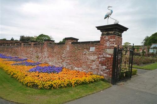 Thornes Park, Wakefield - image: English Heritage
