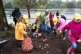 600 London schoolchildren got involved in the planting in Hyde Park