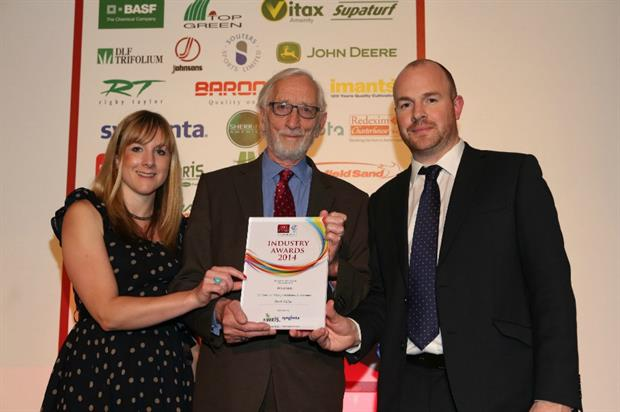 Derek Walder (centre) collects his award from Syngenta's Caroline Carroll and Ed Carter of Everris