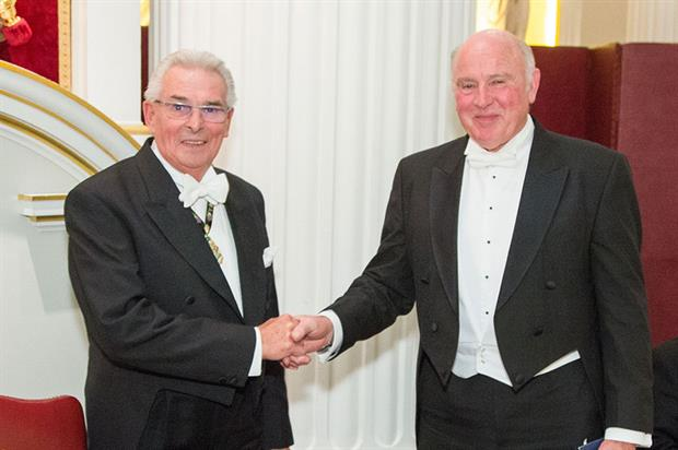 Don Vaughan (right) receiving the Worshipful Company of Fruiterers Ridley Medal from Fruiterers Master Dennis Sturgeon - image: Worshipful Company of Fruiterers