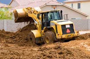 Earthmoving work on a landscaping project - photo: HW