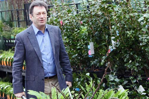 Alan Titchmarsh is to front B&Q's gardening ranges for another year - image: B&Q