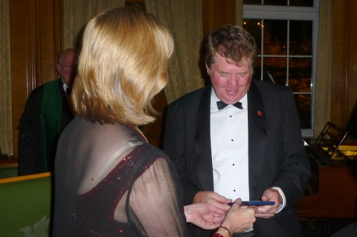 Mike Baker receiving award from Jane Anderson, Master of Worshipful Company of Fruiterers - image:WCF