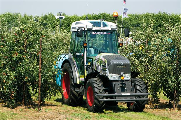 ProbotiQ Xpert: fitted to Fendt Vario to demonstrate robotic precision of driverless tractor at Fruit Focus event - image: HW