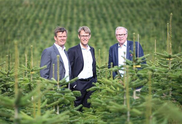 Green Team heads Hans Schultz (l) and Peder Østbjerg (r) and Adelis partner Steffen Thompsen (c)