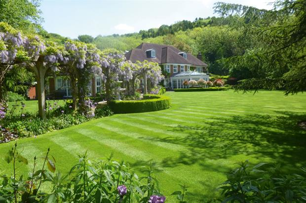 Grounds Maintenance: Private (under £50K) - Creative Landscape Company Private residence, Oxfordshire