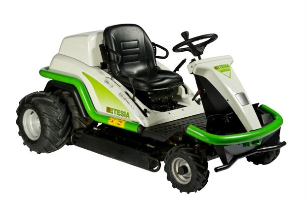 Etesia launched the remote-drive Etesia SKD ExxDrive at Saltex 2016