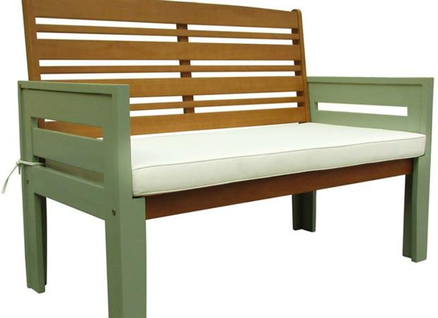 National Trust Licenses Garden Furniture Range