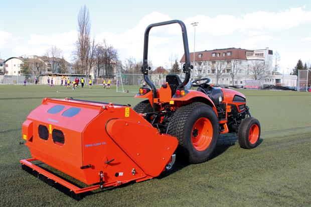 Wiedenmann Terra Clean 160: sweeper, cleaner and collector based on technology used in military conditions