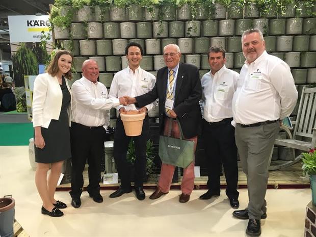 Woodlodge donate to Greenfingers