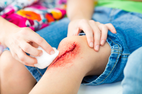 The clinic treats lacerations, minor injuries, minor burns and eye injuries