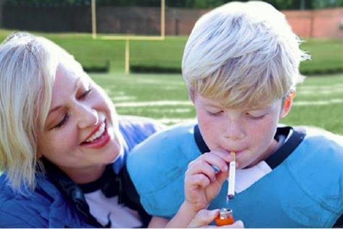 Non-profit takes aim at youth tackle football in smoking new PSA