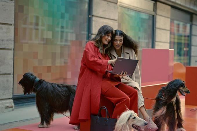Lenovo eschews high-voltage celeb endorsements for global Yoga campaign