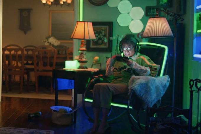 Cricket Wireless' 5G connection helps a gamer grandma crush her competition