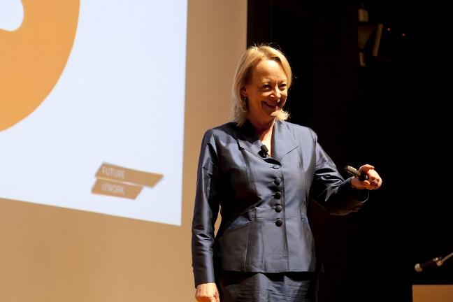 Image credit: www.lyndagratton.com