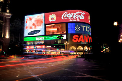 Piccadilly Circus...Coke sign being turned off