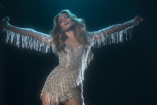 Jennifer Lopez in full 'Venus Goddess' modeJennifer Lopez: star in full Venus Goddess mode