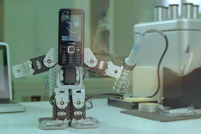 Nokia N8 series: 'it's not technology, it's what you do with it' campaign