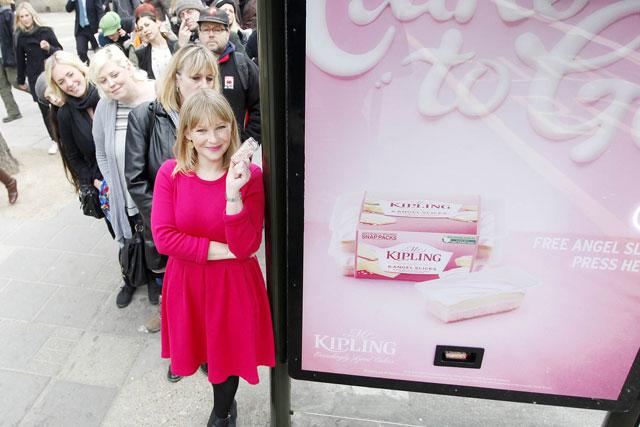 Mr Kipling: Joanna Page fronts bus shelter cake dispenser initiative
