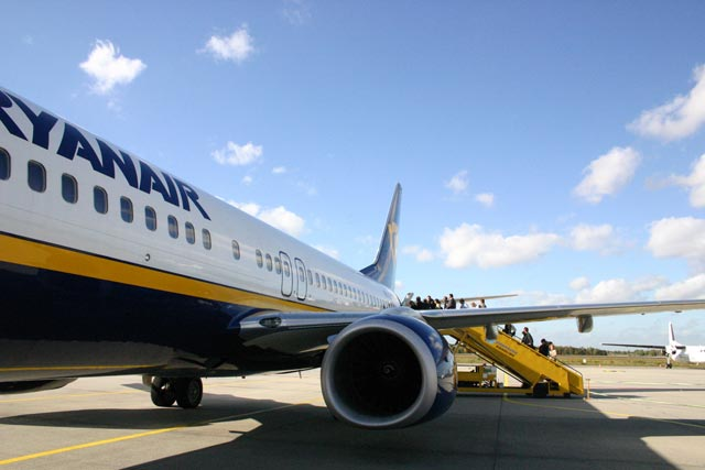 Ryanair: urges lifting flight restrictions in Scottish airspace