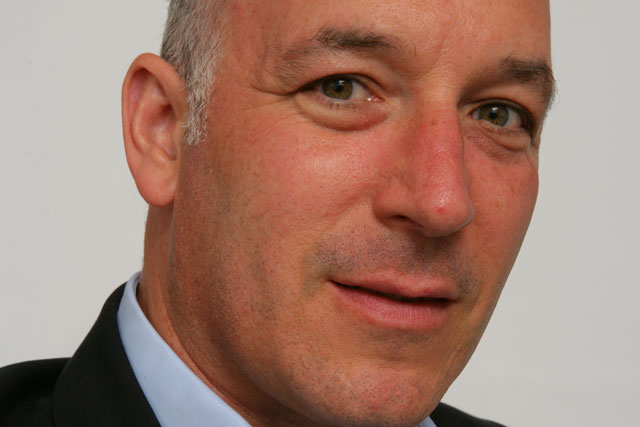 Rufus Olins: Warc chief executive resigns