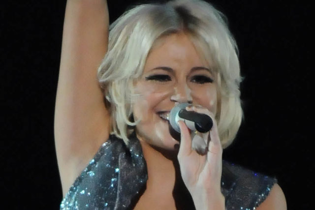 Pixie Lott: performs for Red or Black? on Sunday night