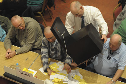 Voting: a referendum will be held to decide system changes