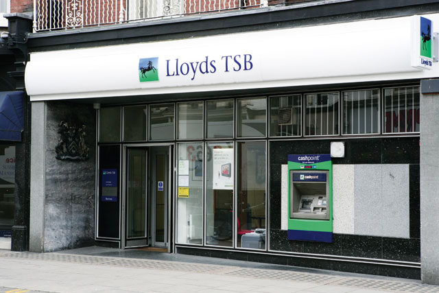 NBNK, which bid for Lloyds branches, is talking to agencie
