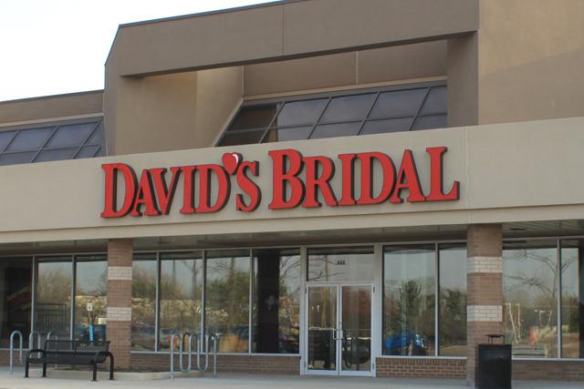 "David's Bridal: dresses ""one-in-three"" US brides"