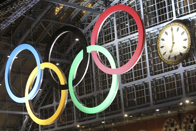 Olympic rings at London St Pancras station