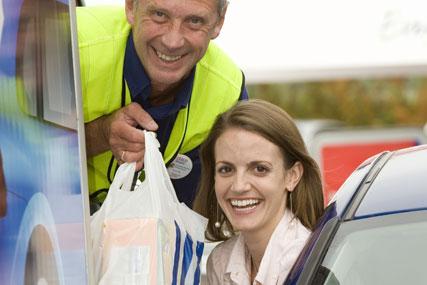 Tesco: opens drive-thru service