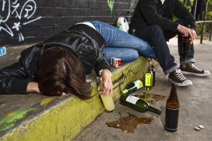 Binge-drinking: MPs seek alcohol ad curbs